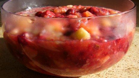 Apfel-Himbeer-Grütze seitlich
