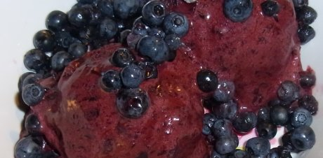 Blaubeer-Sahne-Eis
