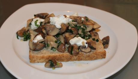 Champignon-Bärlauch-Toast