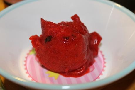 Erdbeer-Minz-Sorbet