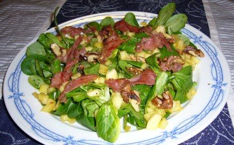 Feldsalat mit Äpfeln