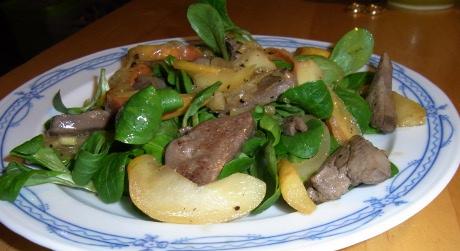 Feldsalat mit gebratener Geflügelleber