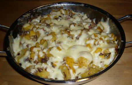 gratinierte Kartoffel-Hack-Pfanne