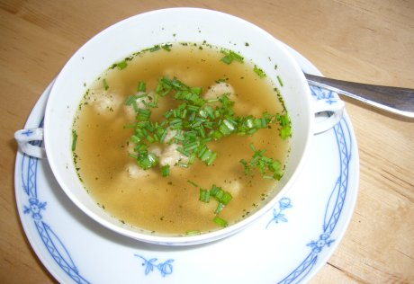 Grienockerlsuppe
