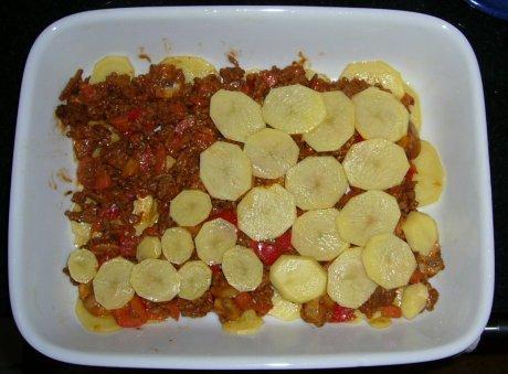 Hackauflauf mit Kartoffeln Vorbereitung