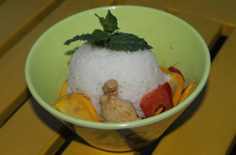 Hähnchen aus dem Wok mit Sommergemüse