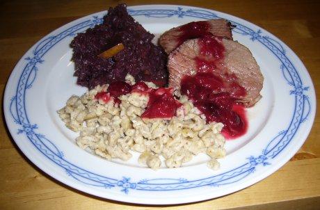 Hirschbraten an Cranberry-Sauce