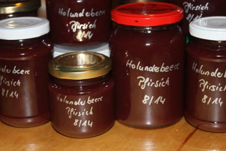 Holunderbeere-Pfirsich-Aufstrich