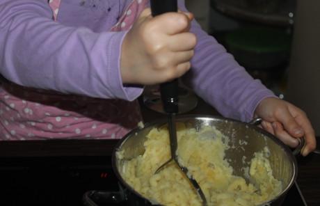 Kartoffelbrei stampfen