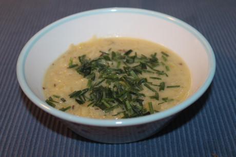 Kartoffelcremesuppe mit Sauerkraut