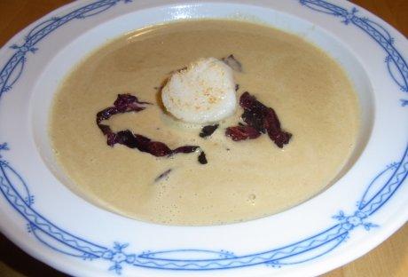 Maronensuppe mit gebratenen Jakobsmuscheln