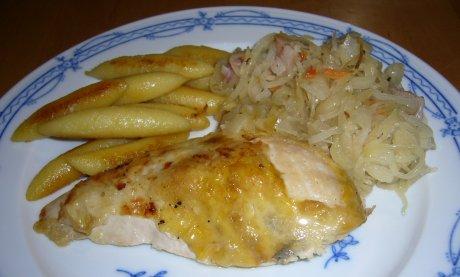 Perlhuhn an karamellisiertem Sauerkraut