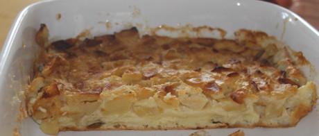 Pfannkuchen-Auflauf mit Apfel