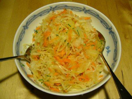 Sauerkrautsalat mit Möhren