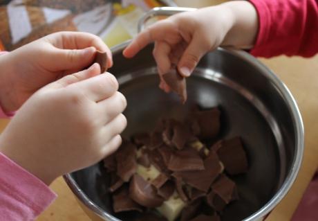 Schokoladenkuchen glutenfrei - Schokolade schmelzen
