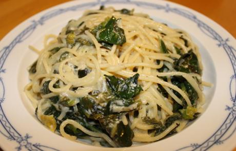 Spaghetti mit Blattspinat