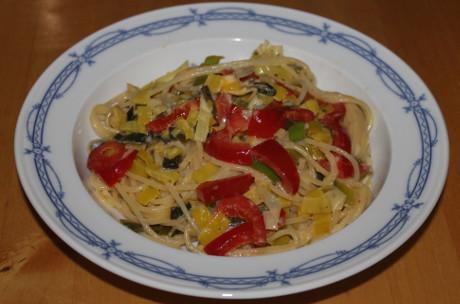 Spaghetti mit Paprika-Lauch-Sauce