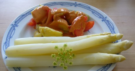 Spargel mit Sahnekartoffeln