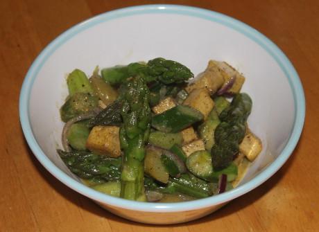 Spargel mit Tofu