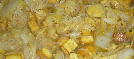 Tofu mit Chinakohl im Wok