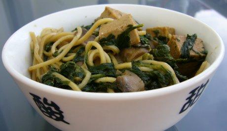Tofu mit Spinat und Champignons