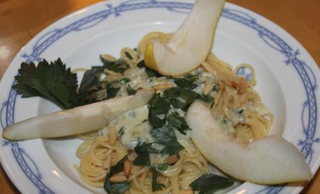 Spaghetti mit Gorgonzola und Birne